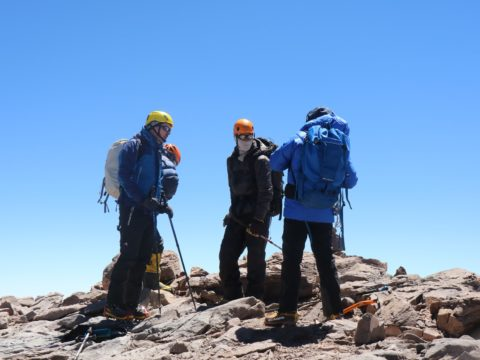 Cum te imbraci cand mergi pe munte?