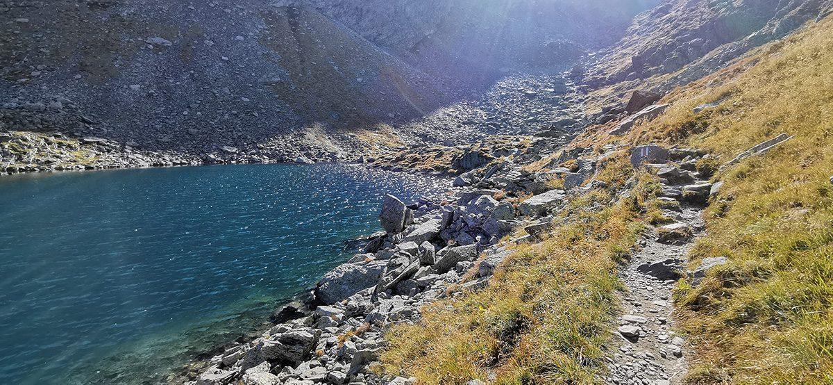 Drumetie la Lacul Caltun